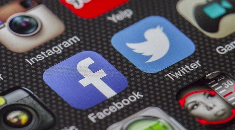 Cómo saber si te han hackeado el Facebook o Twitter